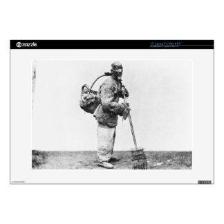 Un jornalero chino, c.1870 (foto de b/w) portátil 38,1cm skins