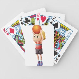 Un jugador de básquet de sexo masculino joven cartas de juego