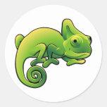 Un lagarto lindo del camaleón etiqueta