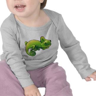 Un lagarto lindo del camaleón camisetas