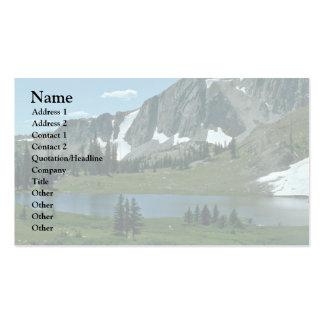 Un lago en la montaña tarjetas de visita