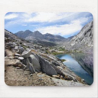 Un lago más bajo palisade - rastro de John Muir Tapete De Ratón