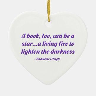 Un libro, también, puede ser una estrella ornamento para reyes magos