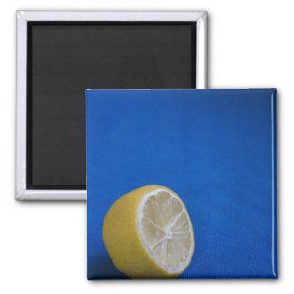 Un limón mediterráneo imán cuadrado