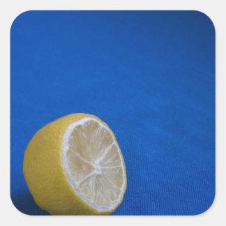 Un limón mediterráneo pegatina cuadrada