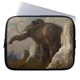 Un mamut en la colina del monumento fundas computadoras