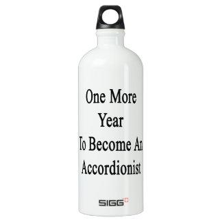 Un más año a hacer un acordeonista