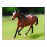 Un medio galope de los caballos invitaciones personalizada