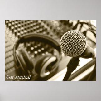 Un micrófono y auriculares póster