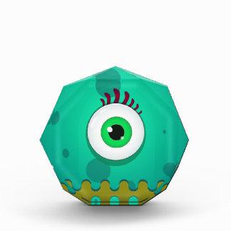 Un monstruo enrrollado del ojo