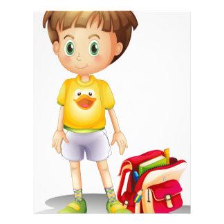 Un muchacho joven con su bolso de escuela membrete a diseño