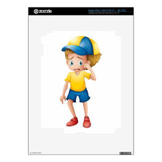 Un muchacho joven que solloza iPad 3 pegatinas skins