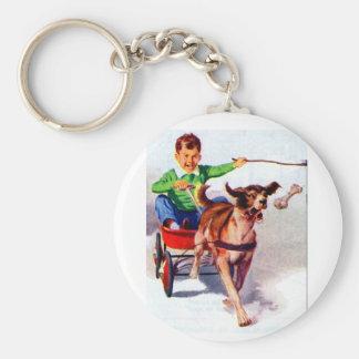 Un muchacho y su carro del perro llavero redondo tipo pin
