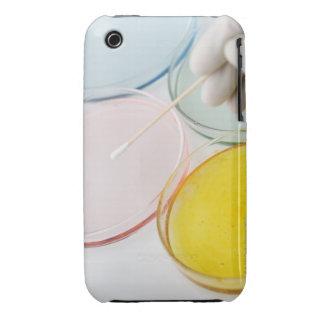Un muestreo con guantes plástico de la mano del pe iPhone 3 Case-Mate carcasa