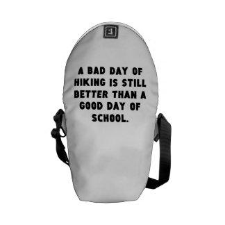 Un mún día de caminar bolsa de mensajería