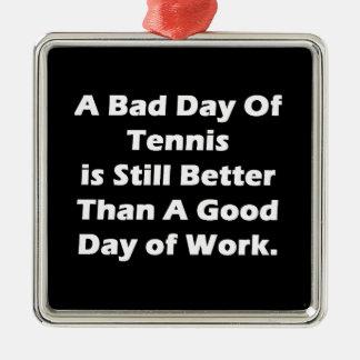 Un mún día de tenis adorno navideño cuadrado de metal