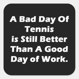 Un mún día de tenis pegatina cuadrada