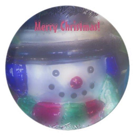 Un muñeco de nieve escarchado platos de comidas