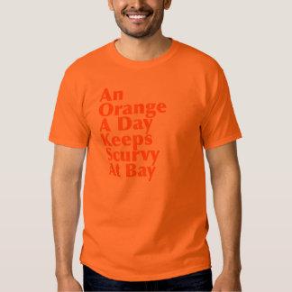 Un naranja al día guarda escorbuto en la bahía remera