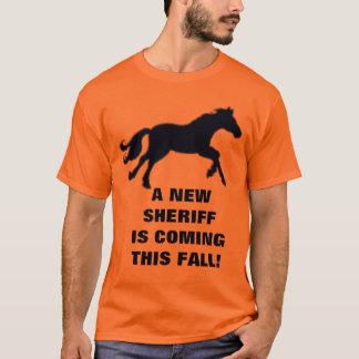 ¡UN NUEVO SHERIFF ESTÁ VINIENDO ESTA CAÍDA! PLAYERA