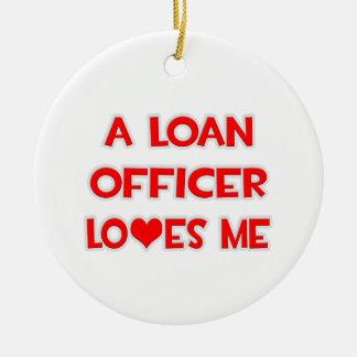 Un oficial de préstamo me ama ornamentos de reyes magos