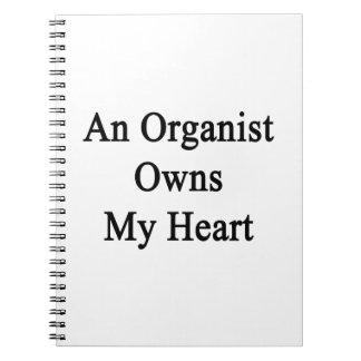 Un organista posee mi corazón cuaderno