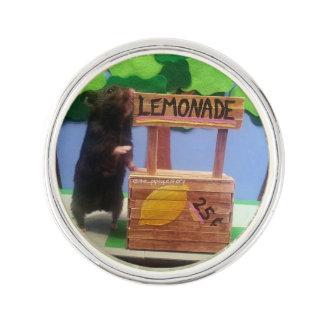 ¡Un oso en el puesto de limonadas! Insignia