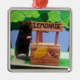 Un oso minúsculo quiere un poco de limonada adorno navideño cuadrado de metal