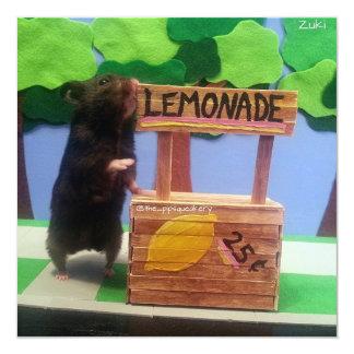 """Un oso minúsculo quiere un poco de limonada invitación 5.25"""" x 5.25"""""""