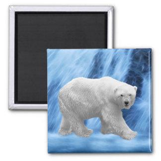 Un oso polar en la cascada congelada iman de frigorífico