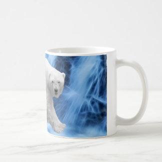 Un oso polar en la cascada congelada tazas
