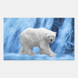 Un oso polar en la cascada congelada pegatina rectangular