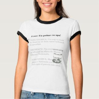 Un pahar cu apa! T-Shirt