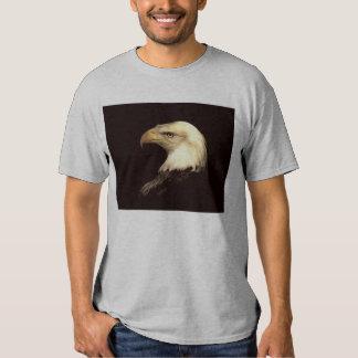 un pájaro de Jove, águila, rey de pájaros Remeras