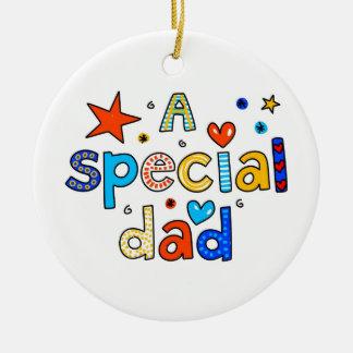 Un papá especial adorno navideño redondo de cerámica