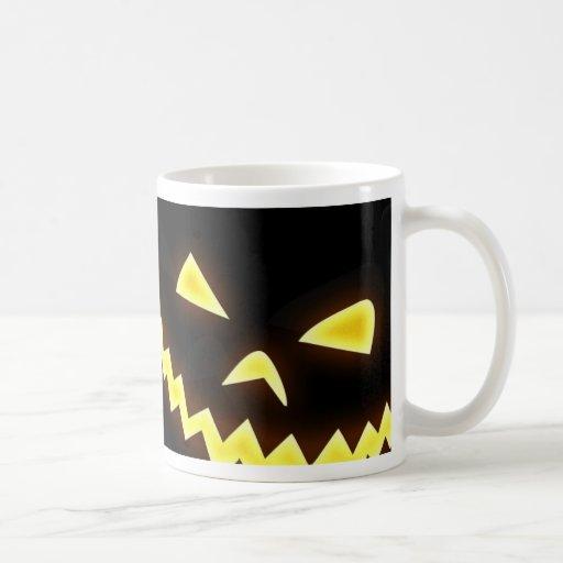 Un papel pintado de Halloween Taza