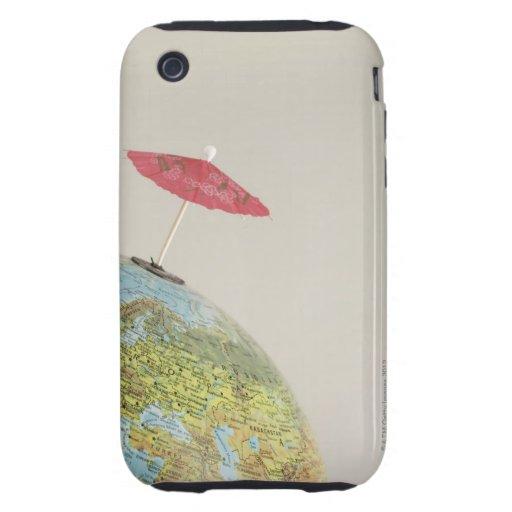 Un paraguas de las bebidas en un globo iPhone 3 tough protectores