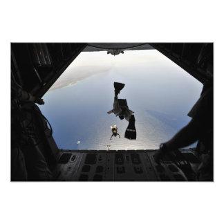 Un pararescueman de la fuerza aérea de los fotografías