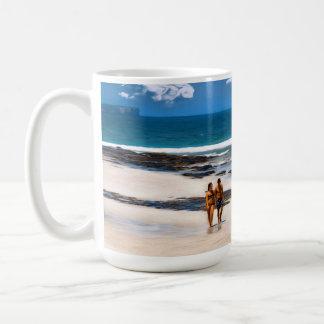 Un paseo de los amantes taza de café