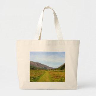 un paseo en el valle bolsa de mano
