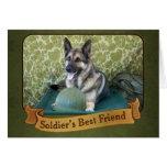 Un pastor es el mejor amigo de un soldado felicitación