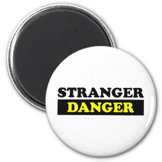 Un peligro más extraño imán redondo 5 cm