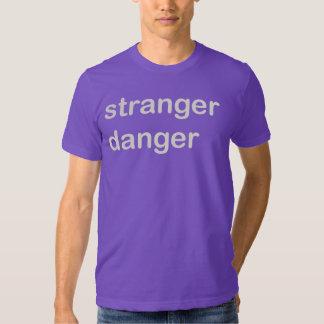 Un peligro más extraño polera