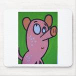 Un pequeño cerdo alfombrilla de ratón
