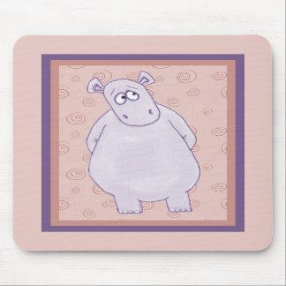 Un pequeño hipopótamo culpable Mousepad Tapetes De Ratón