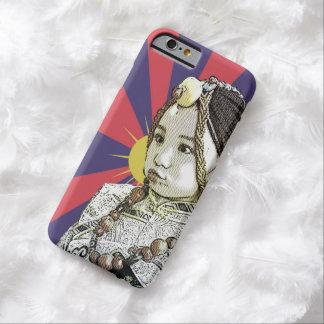 Un pequeño iPhone tibetano   del chica 6 casos Funda Para iPhone 6 Barely There