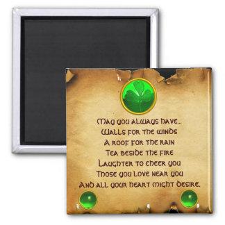 Un pergamino irlandés viejo de la bendición para l imán cuadrado