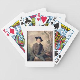 Un pescado de destripamiento del hombre joven, 178 baraja de cartas