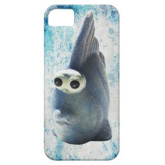 Un pescado divertido lindo con los ojos grandes iPhone 5 carcasas