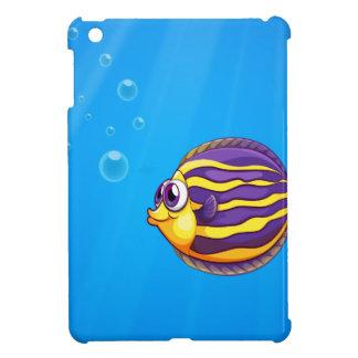 Un pescado hambriento colorido debajo del mar